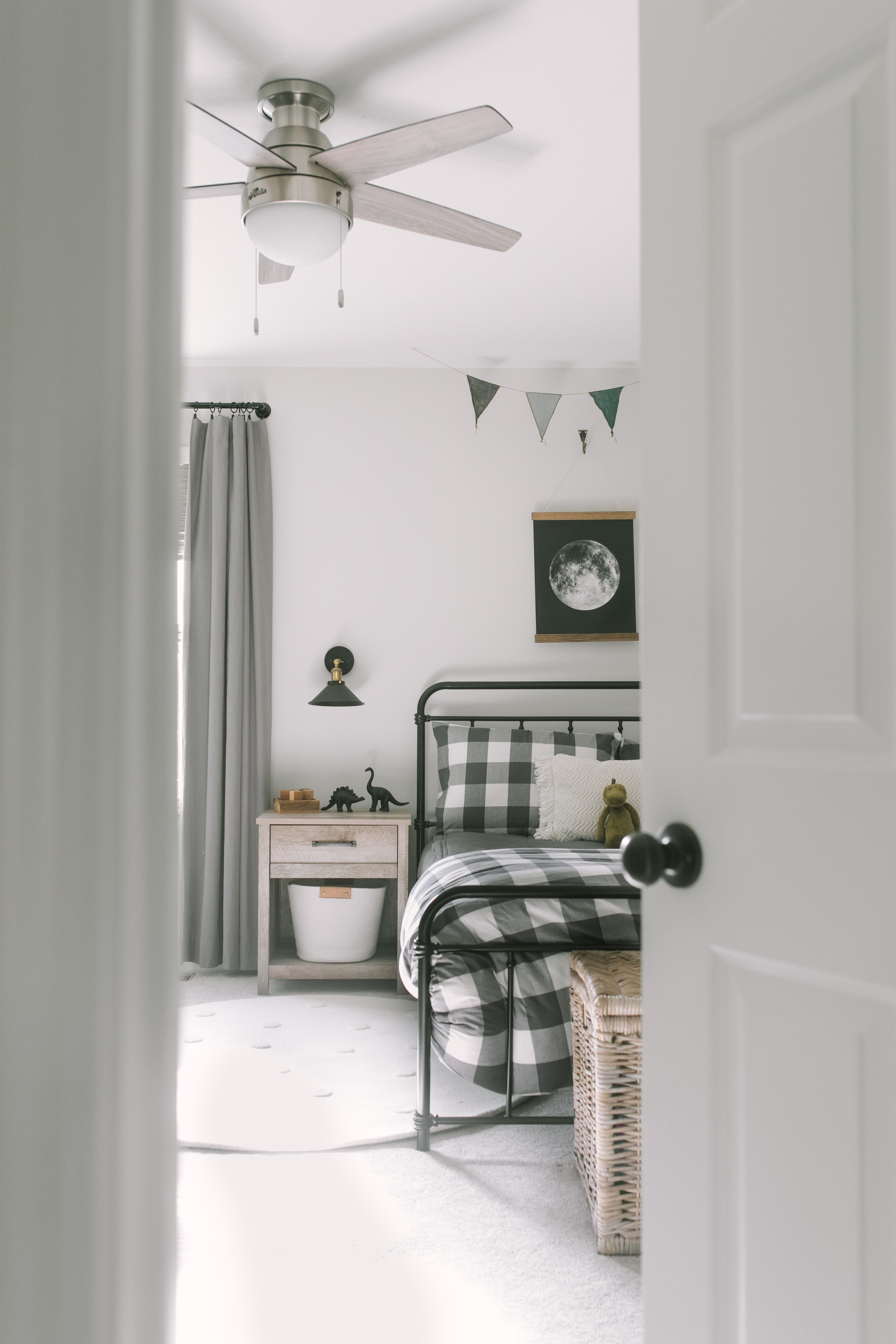 Picture of: 5 Tips For Transitioning Toddlers To Big Kid Beds Katie Lamb